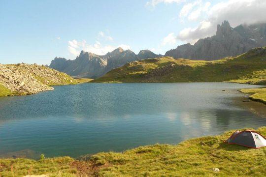 Rando et bivouac en lac de montagne